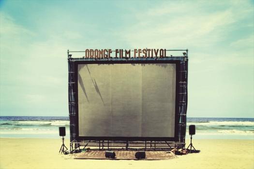 四国最大級の野外映画祭、瀬戸内海に面したビーチで開催 「オレンジ・フィルム・フェスティバル2014」に協力