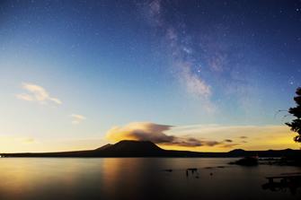 星景写真の例(北海道・支笏湖)