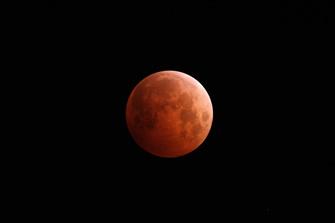 ※皆既月食イメージ写真