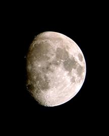 月 イメージ写真