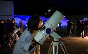 日本一の星空「阿智村」で開かれる冬限定イベント 「天空の楽園Winter Night Tour 2017 STARS BY NAKED」に協力  天体望遠鏡を操作して、宇宙の姿をとらえよう