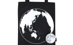 月と地球の実際の大きさの比率を正確に反映した エコバッグ「Moon Eco Bag」登場  12月22日(金)発売