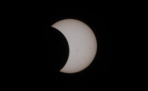 6月21日(日)は日本全国で日食。おうちで日食観察&日食観察イベント開催